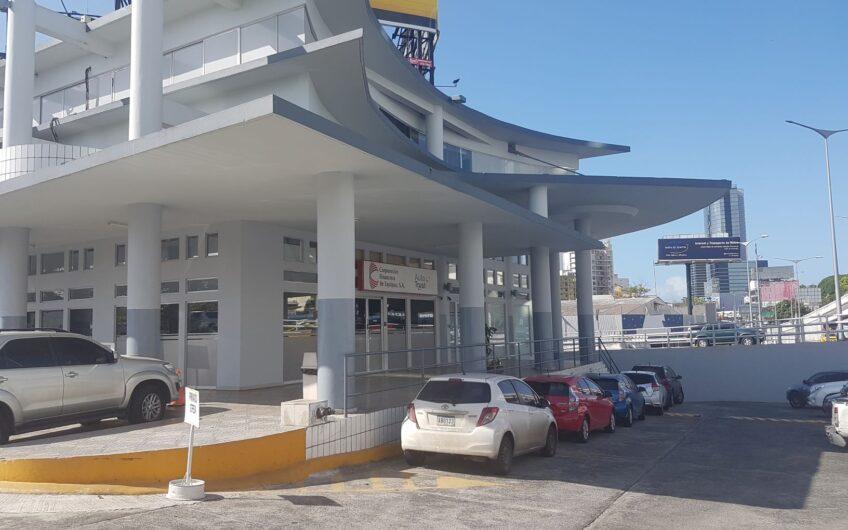 Locales comerciales para alquiler frente a vía principal